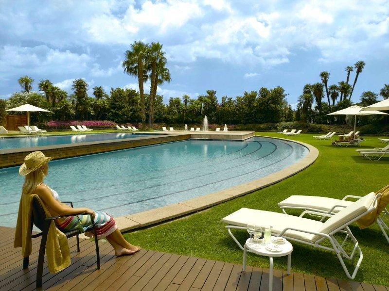 Jardines del hotel Rey Juan Carlos I, Barcelona.