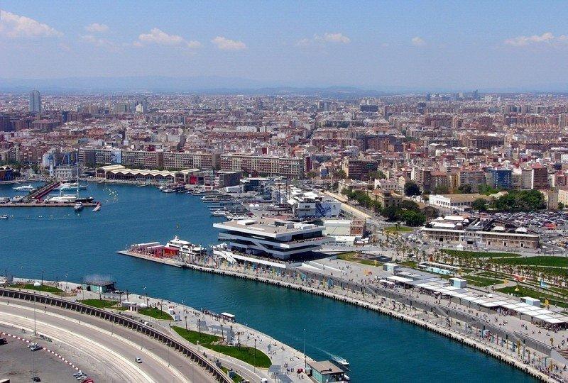 Terminal de cruceros del puerto de Valencia.