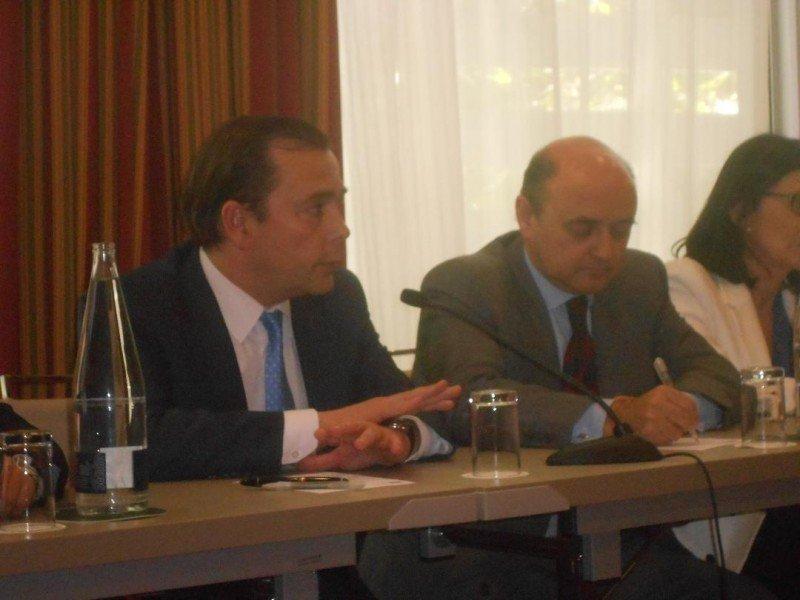 Federico González y Roberto Chollet en la rueda de prensa posterior a la junta de accionistas de NH Hoteles.