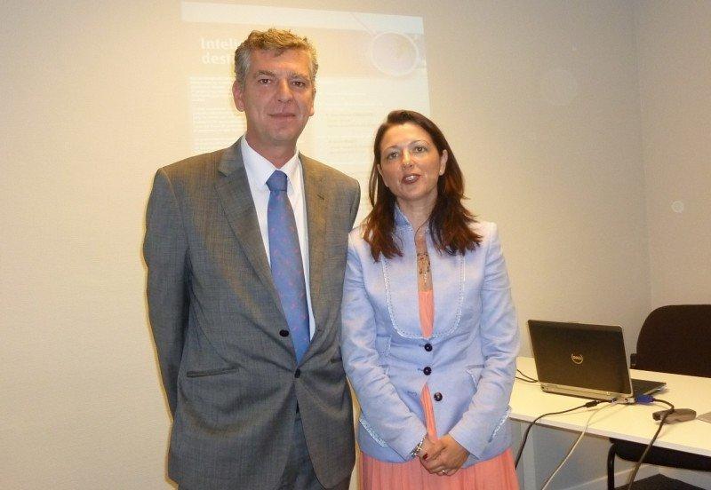 El responsable de Nuevos Desarrollos de I D i de Aenor, Gerardo Malvido, y la directora de la delegación Aenor Baleares, Soledad Seisdedos.