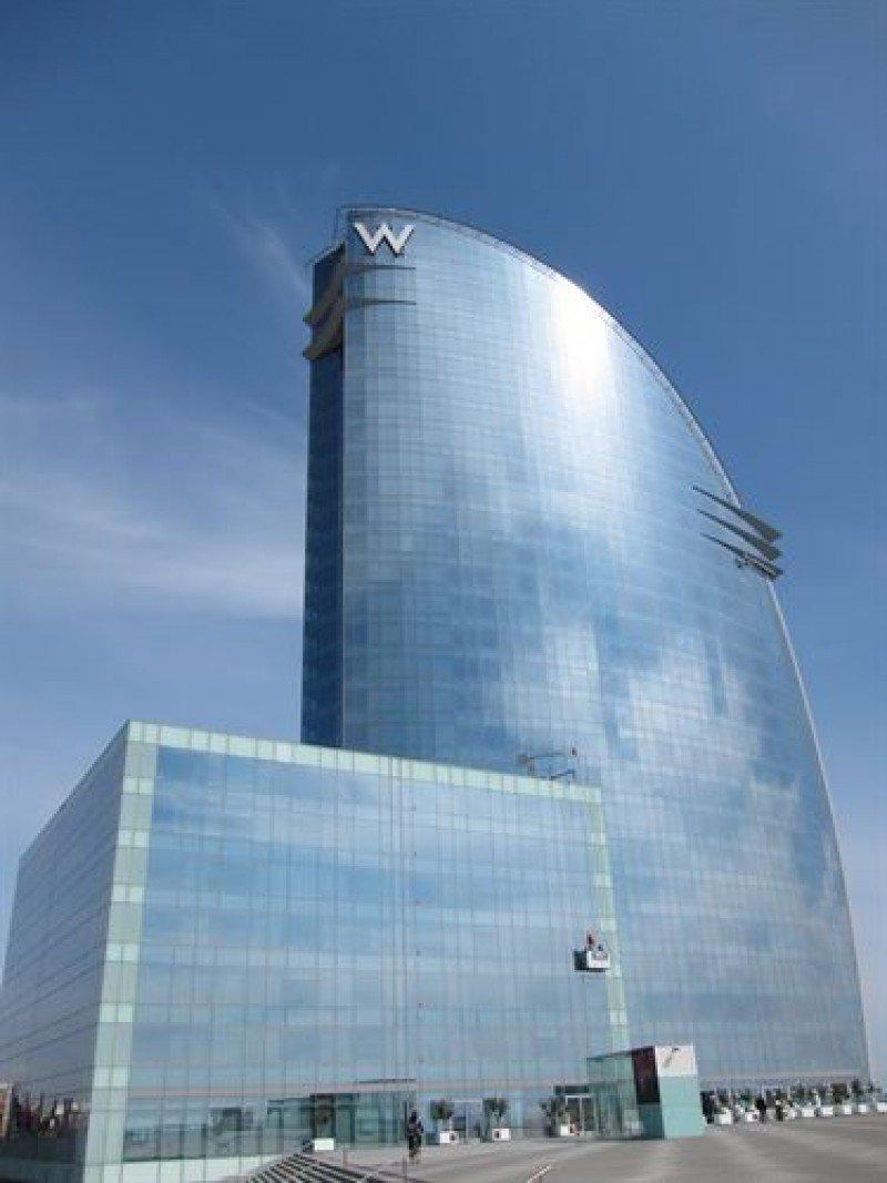 El W Barcelona tiene 27 plantas.