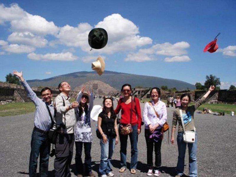 Turistas chinos en México (Foto: Periódico Correo)
