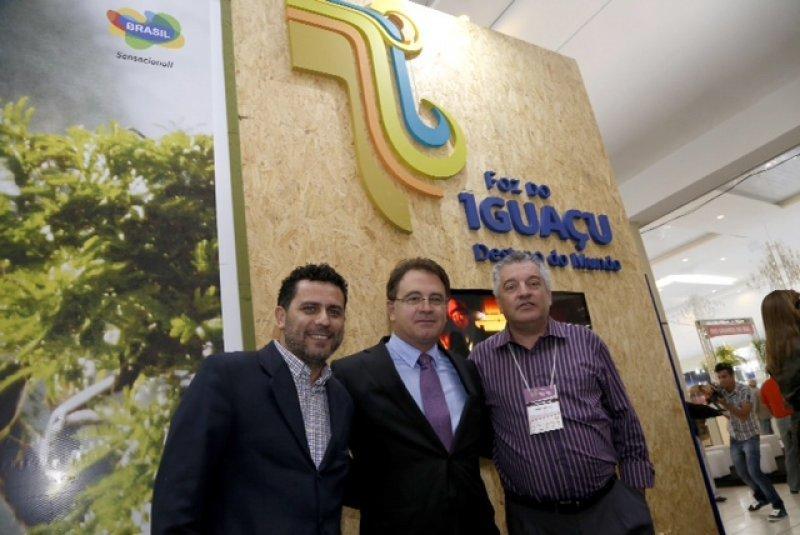 Lummertz expuso los objetivos de Brasil en el festival de turismo de las cataratas del Iguazú