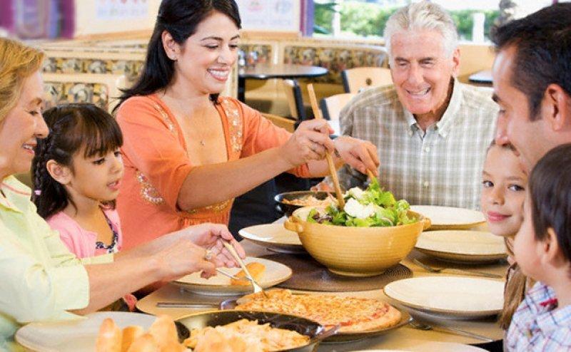 Por el Día del Padre aumentaron casi un 4% las reservas en restaurantes de Argentina