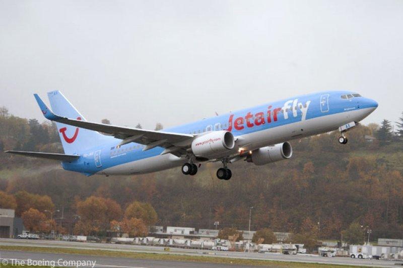 TUI Travel es propietaria de seis líneas europeas, Thomson Airways, TUIfly, TUIfly Nordic, ArkeFly, Jetairfly y Corsair