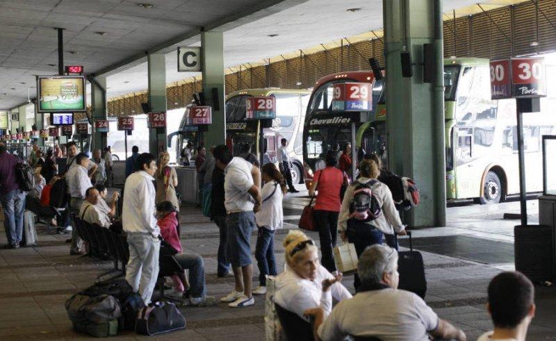 Agregan 1.200 servicios de micros para cubrir demanda en Argentina