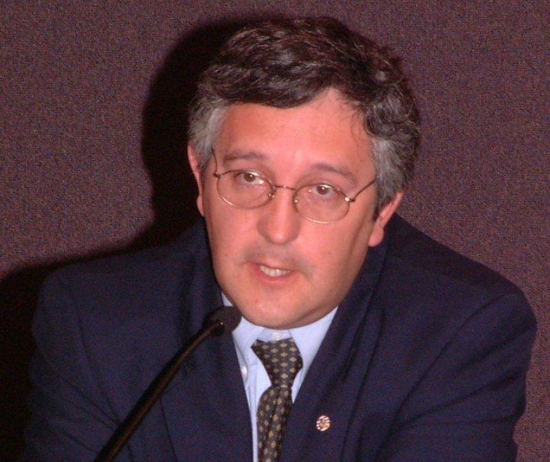 Dr. Leonardo Costa