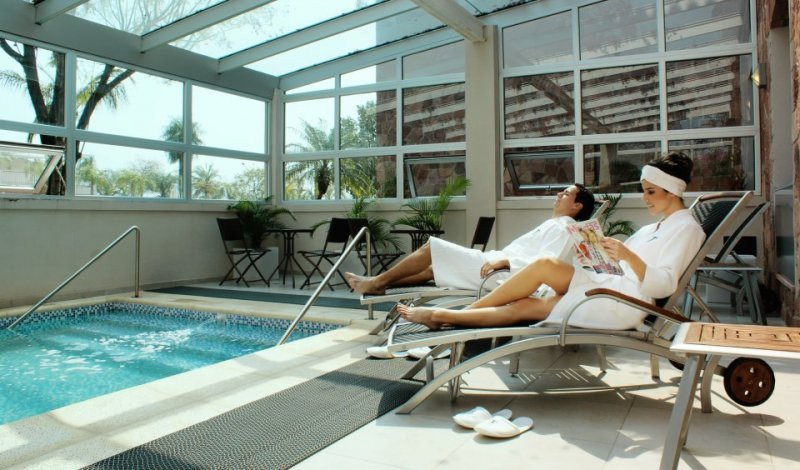 Hoteles de Argentina recibieron un 15% menos de turistas en abril