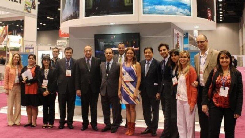 La delegación del Instituto Nacional de Promoción Turística que participó de la Feria AIBTM 2013.