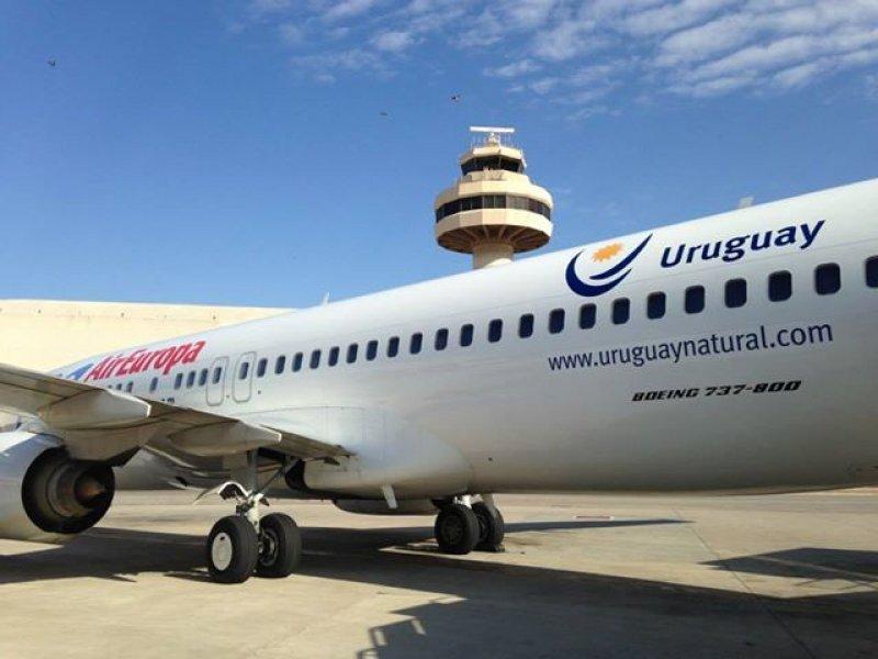 Avión de Air Europa viaja con logo de marca país Uruguay durante seis meses