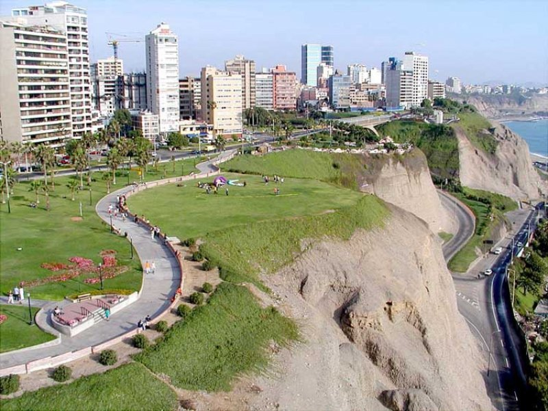 Distrito turístico de Miraflores en la ciudad de Lima