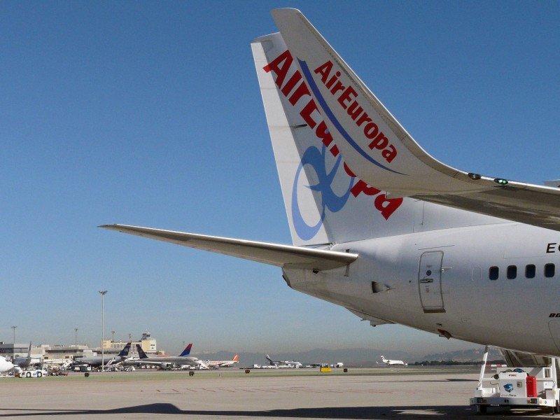 El Aeropuerto de Badajoz recupera conexiones regulares con Air Europa