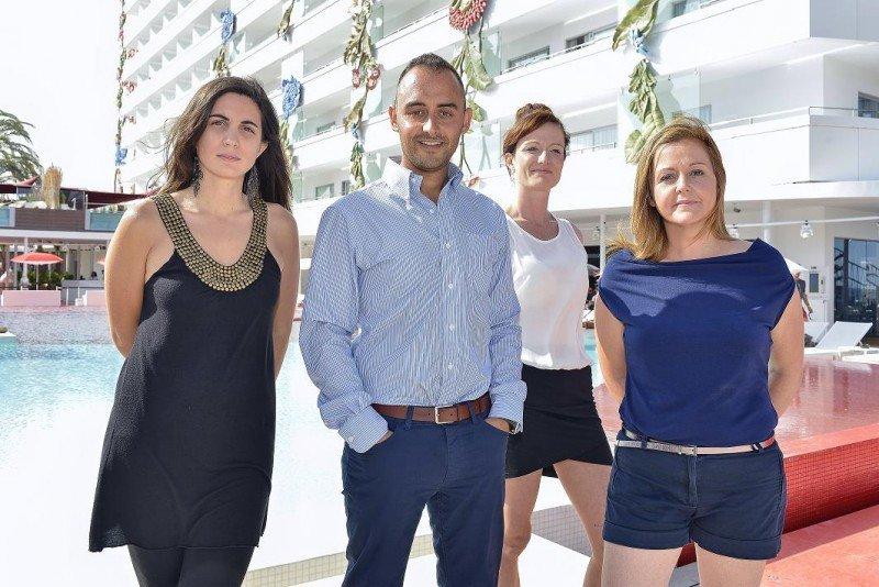 El equipo de Social Media de Palladium Hotel Group, de izda a dcha Silvia Ríos, Guille Rodríguez, Maren Michalski y Eva García. Con ellos también trabaja Diego Díaz, destinado en el Caribe.