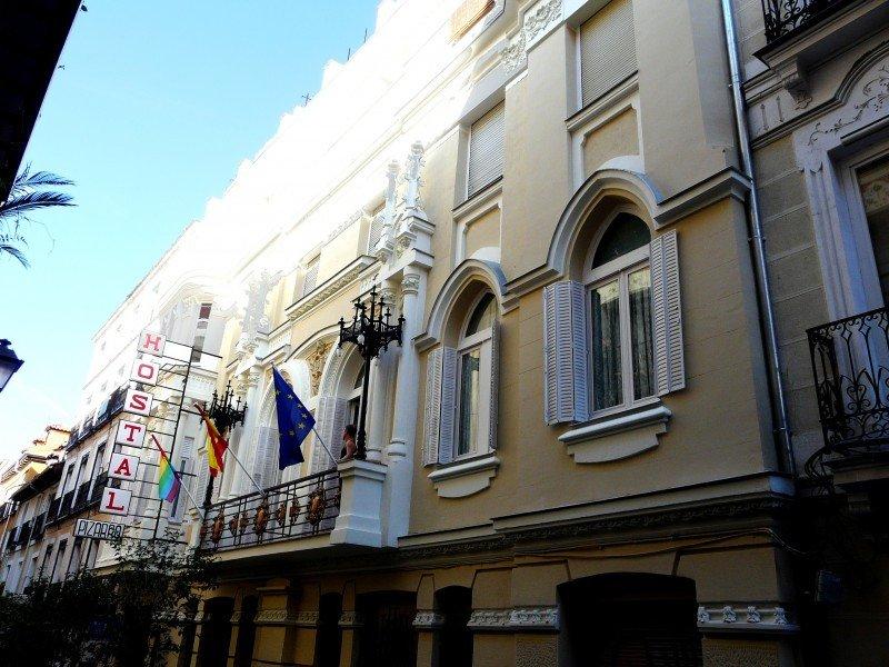Celebra el orgullo gay en Madrid con HostelBookers