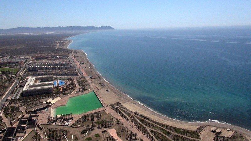 Vista aérea del complejo turístico El Toyo-Cabo de Gata.