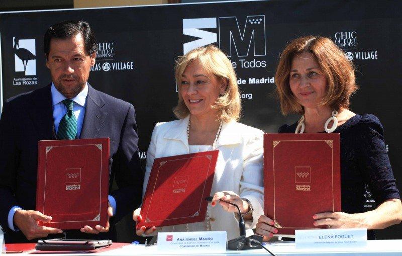 Ana Isabel Mariño firma un acuerdo con Las Rozas Village.
