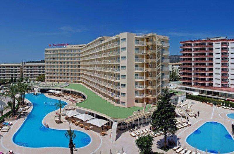 Sol Guadalupe es uno de los hoteles vendidos.
