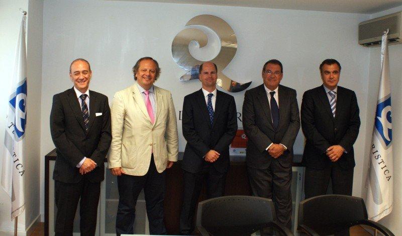 Los presidentes de las cinco asociaciones que han firmado el acuerdo.