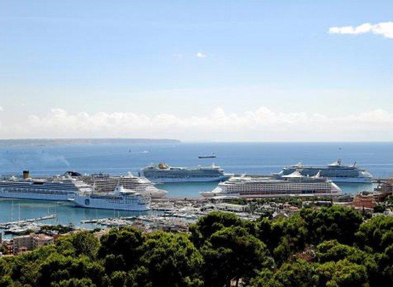 Puerto de cruceros de Palma de Mallorca.