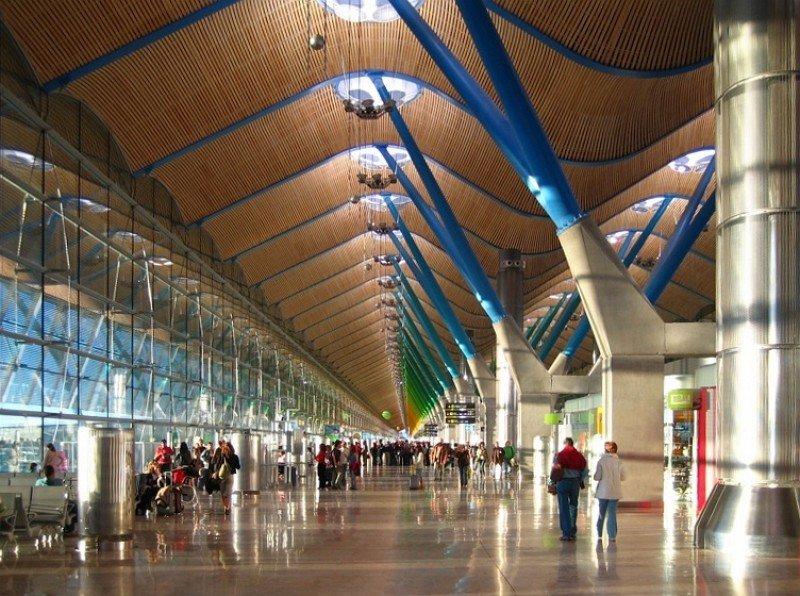 Continúa cayendo en picado el tráfico del Aeropuerto de Madrid-Barajas.