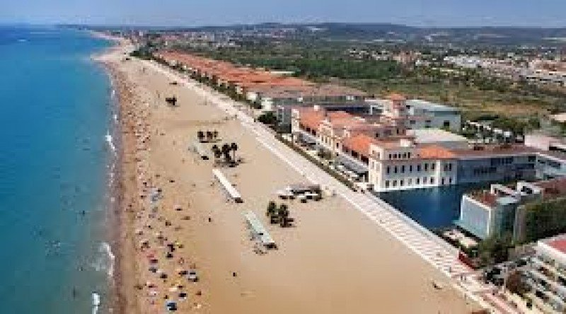 La nueva normativa reduce de 100 a 20 metros la franja de protección de la costa.