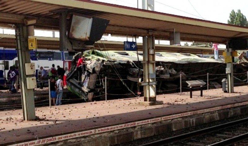 Un accidente de tren en Francia deja al menos siete personas muertas y más de 60 heridos