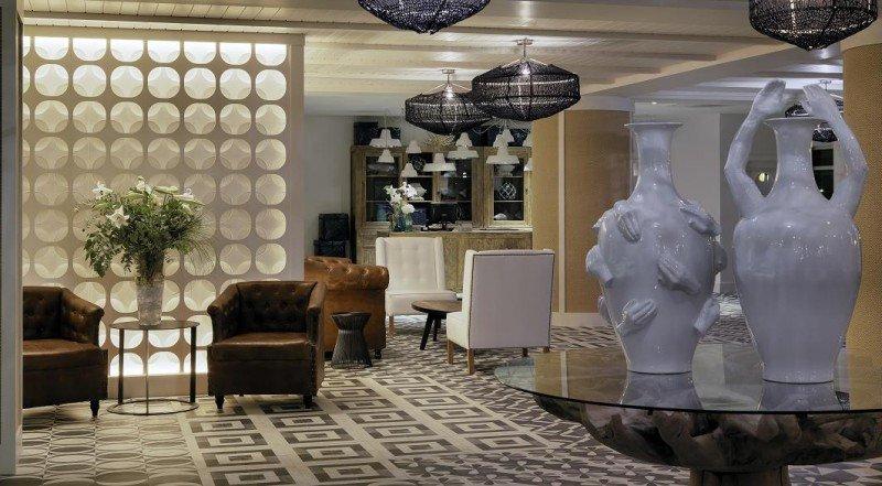 El interiorismo del H10 Vintage Salou está inspirado en el Mediterráneo con aires vintage.