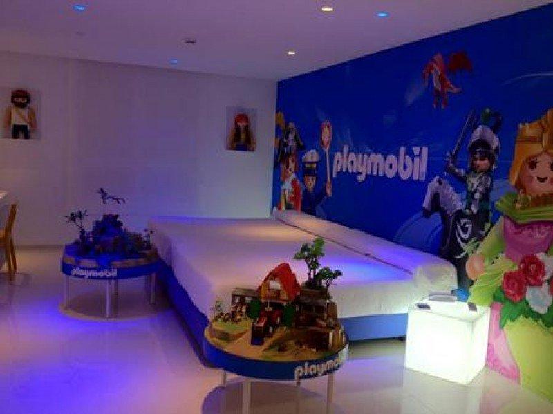 El Hotel ofrece una experiencia única en torno al mundo del juguete, con la colaboración de empresas como Famosa o Playmobil.