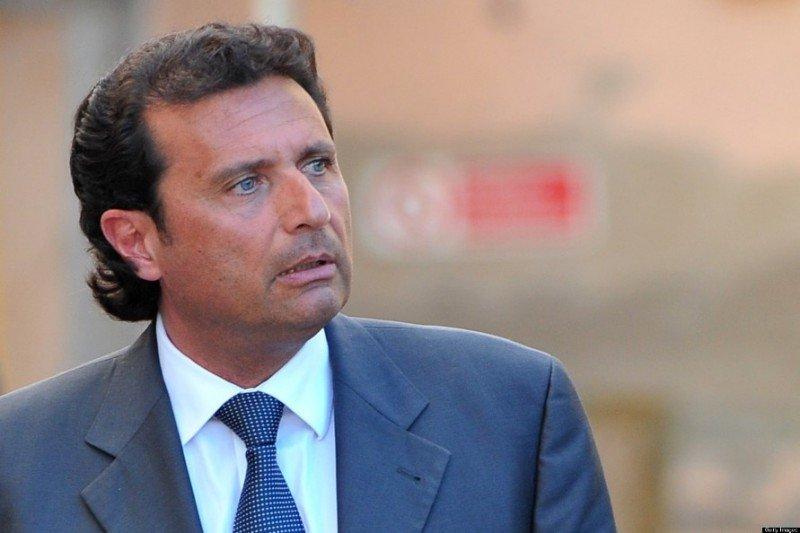 Francesco Schettino es juzgado en Italia por el naufragio del Costa Concordia. Foto huffingtonpost.com