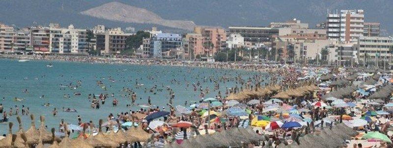 España recibió 26,1 millones de turistas extranjeros hasta junio, un 4,2% más