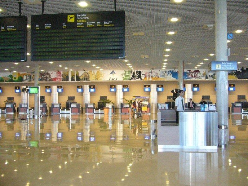 Huelga los fines de semana en el Aeropuerto de Reus