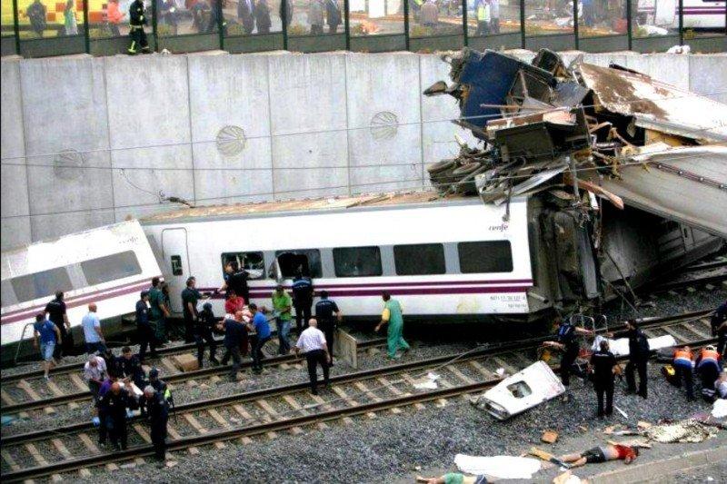 Abren dos investigaciones paralelas sobre el suceso en Galicia: la judicial y la de la Comisión de Accidentes