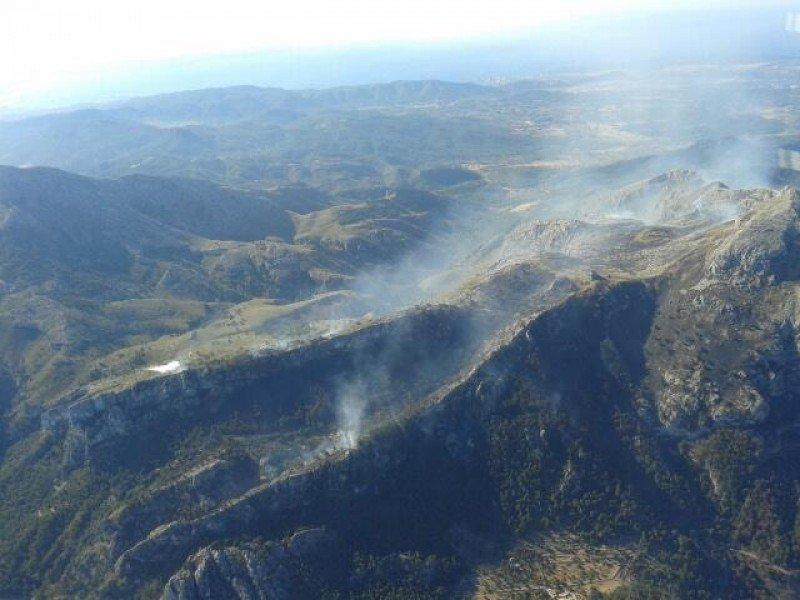 Foto tomada el lunes 29 de julio a las 9:30 horas por el avión de coordinación contra el incendio.