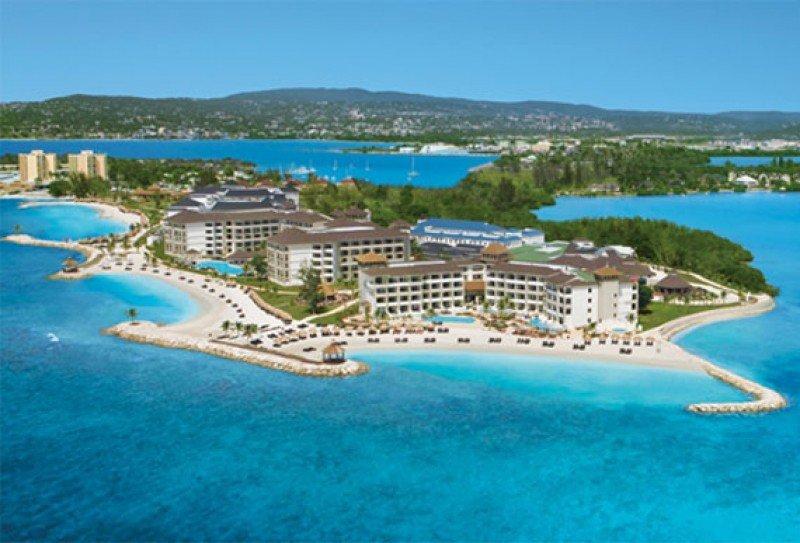 AM Resorts es la cadena hotelera del grupo.