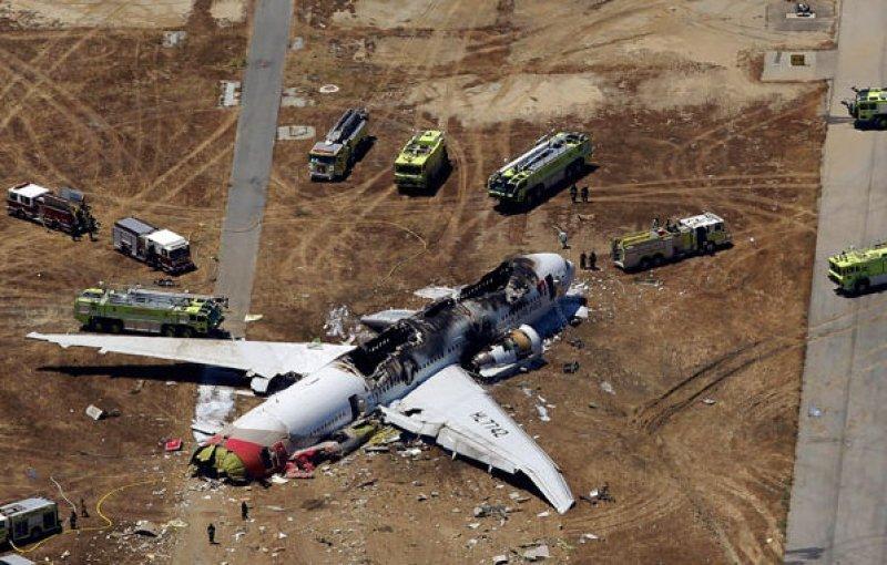 Por el accidente murieron dos personas y 180 resultaron heridas.