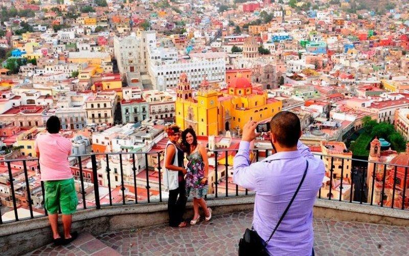 Viajes de peruanos a México suben 60% tras suprimirse visado.