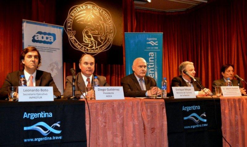 Más de 2,4 millones de personas asistieron a reuniones en Argentina en 2012