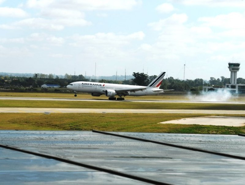 Avión de Air France en Aeropuerto de Carrasco