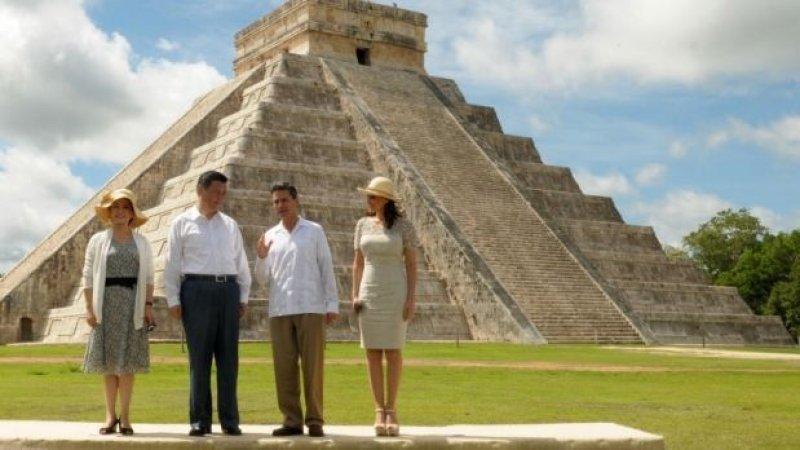 Xi Jinping, Peña Nieto y sus esposas en Chichen Itzá