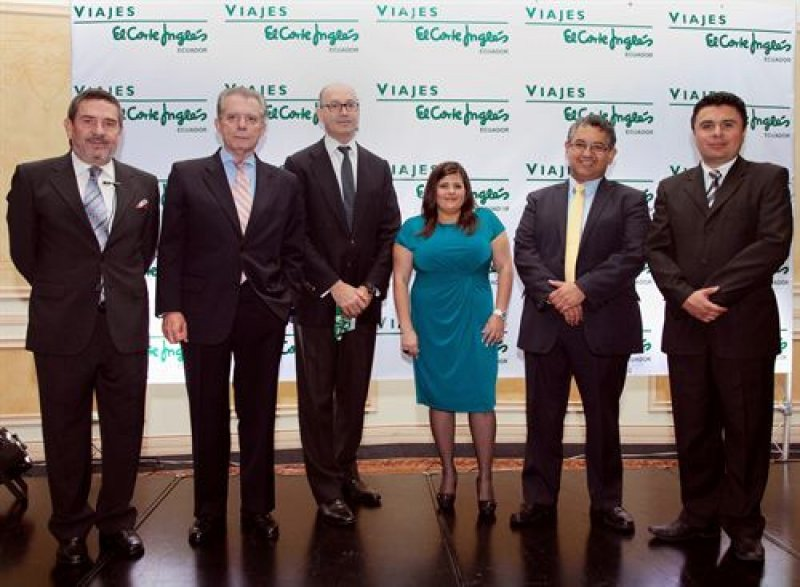 Ejecutivos en la inauguración de la oficina en Quito