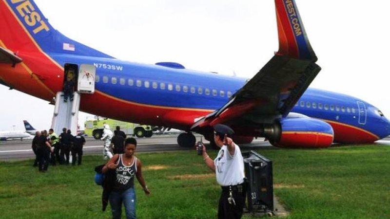 Evacuación del avión accidentado (Foto: NBC NY)