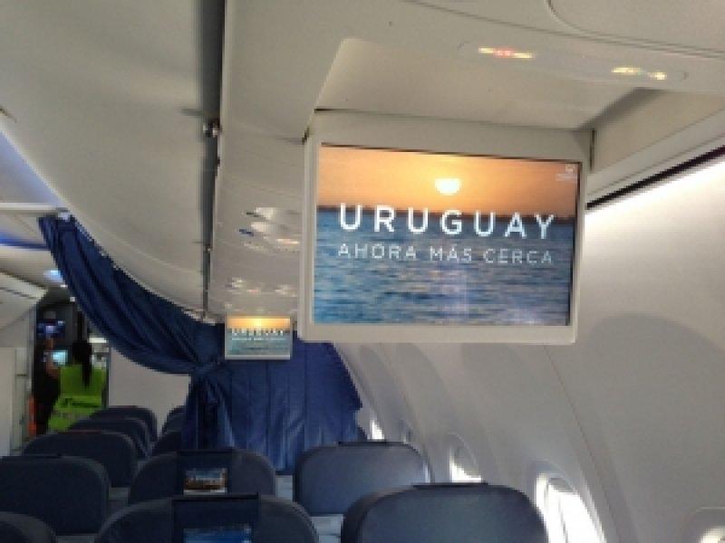 Video de Uruguay en aviones de la compañía aérea española que viaja tres veces por semana entre Montevideo y Madrid