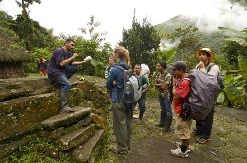 Diversos actores del sector se proponen mejorar la calidad de los servicios, entre ellos los guías turísticos. #shu#