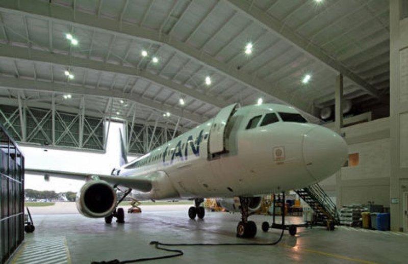 LAN invirtió US$ 3,2 millones en la construcción del hangar de 2500 metros.