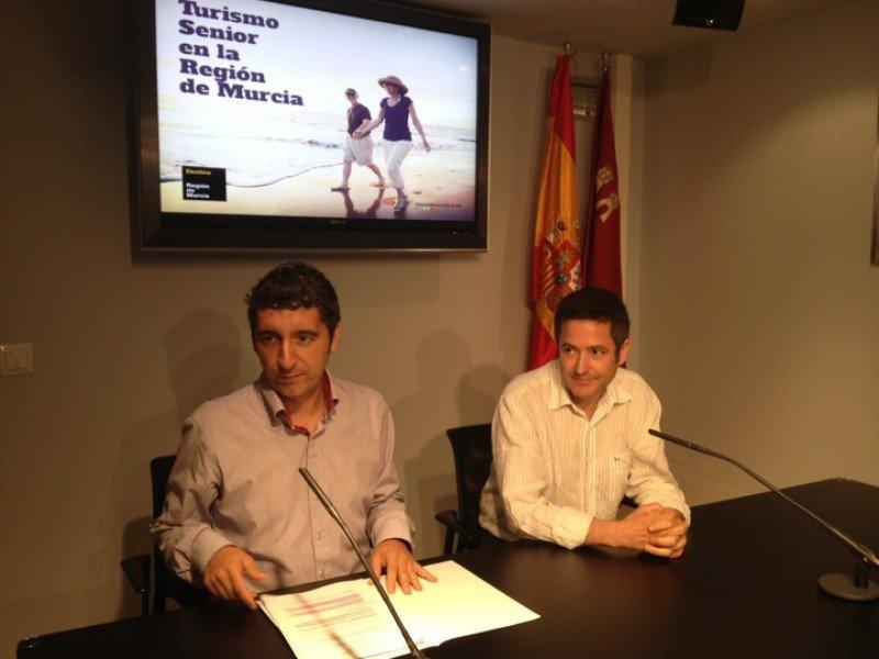 Presentación del nuevo programa de vacaciones para mayores de la Región de Murcia.