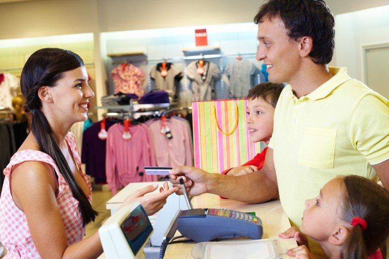 Los consumidores están más optimistas con su economía familiar. #shu#