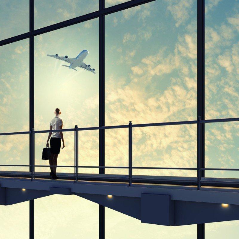 Los viajes corporativos compensan la caída de salidas al extranjero en verano
