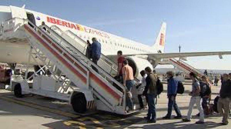 La filial de Iberia opera 22 rutas este verano.