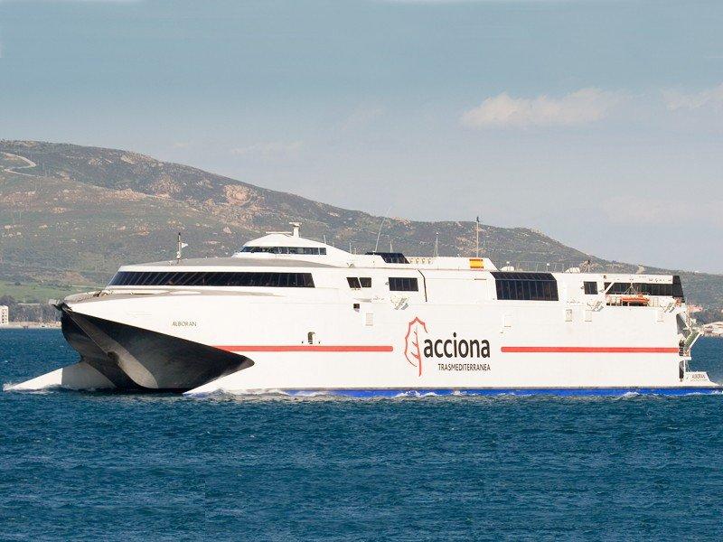 Ceuta denuncia a dos navieras ante Competencia por concertar una subida de precios