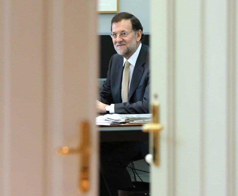 Mariano Rajoy en su despacho. Foto: La Moncloa.